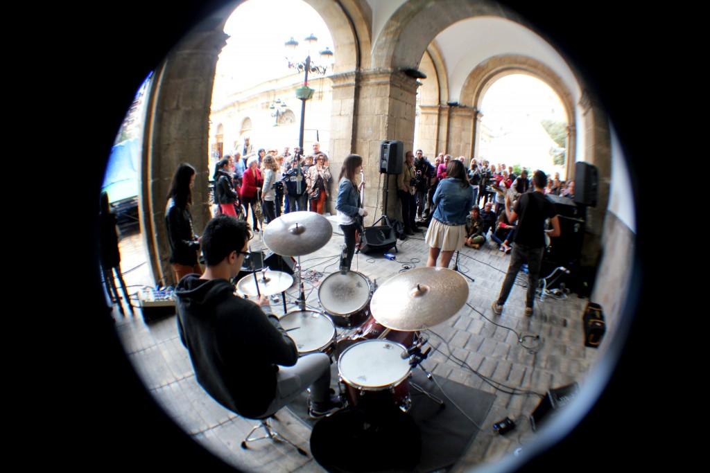 combo pop rock música mondo rítmica alumnos jóvenes castellón mostra d'arte escenifiques
