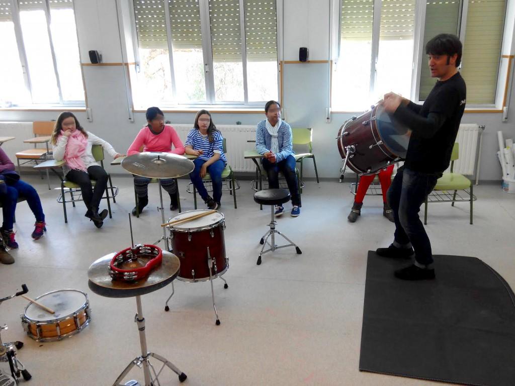 taller de bateria colegio ceip carmen marti artana castellon mondo rítmic jesus gallardo