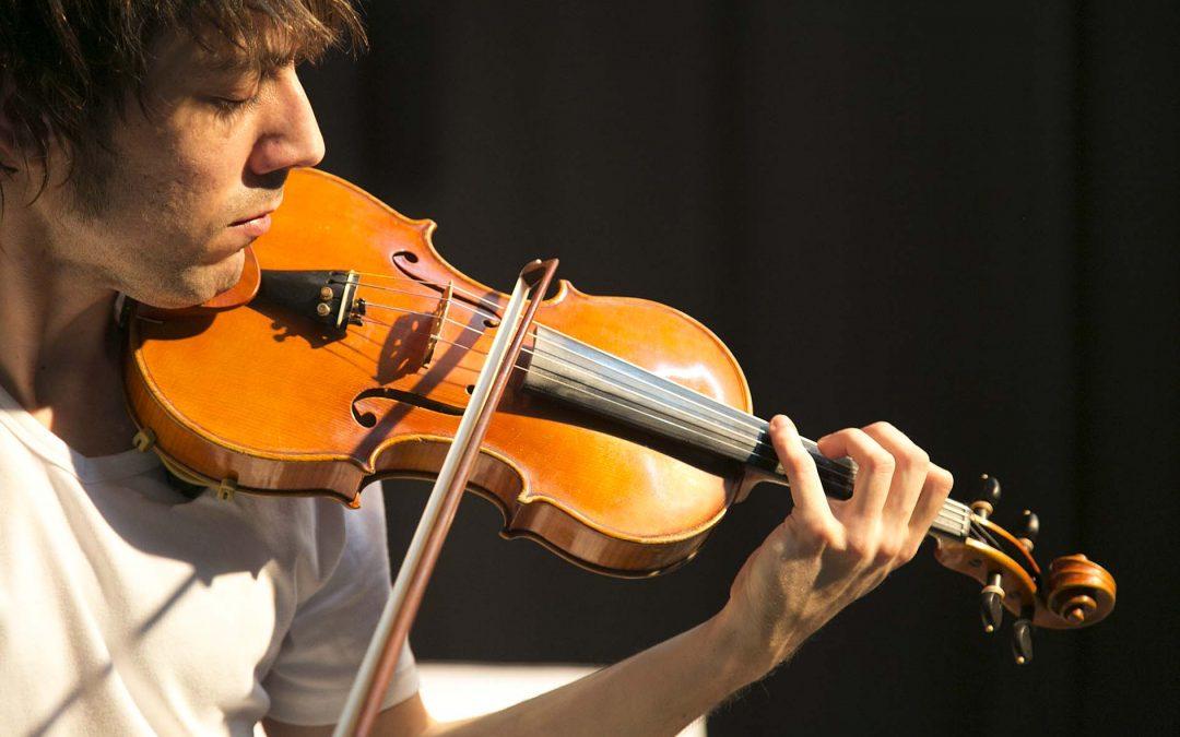 Pedro Gilabert: profesor de violín.