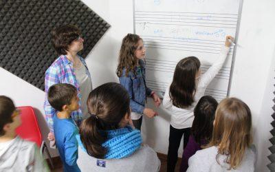"""Segunda sesión del taller """"Música y emociones"""""""